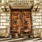 Les atouts des portes en bois